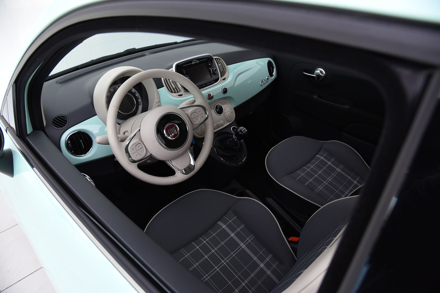 Fiat 500 lounge cabriolet for Interieur verlichting auto